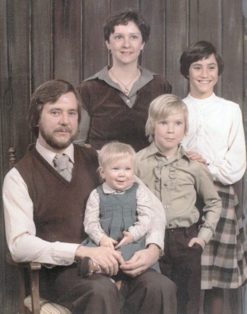 1970s Father, Mother, and three children