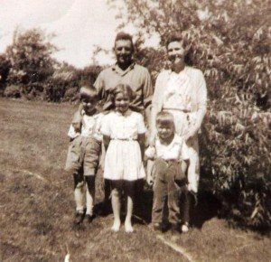 Patricia Morgan with her father, mother, and two brothers